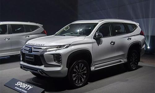 Mitsubishi Pajero Sport mới ra mắt tại Thái Lan, bán ra 3 phiên bản.