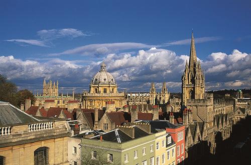 Đại học Oxford. Ảnh: US News & Report