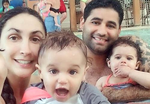 Rodriguez cùng vợ và hai con song sinh. Ảnh: Facebook