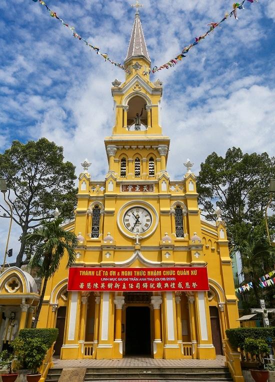 Nhà thờ hơn 100 tuổi phong cách 'lai' Á - Âu ở Sài Gòn