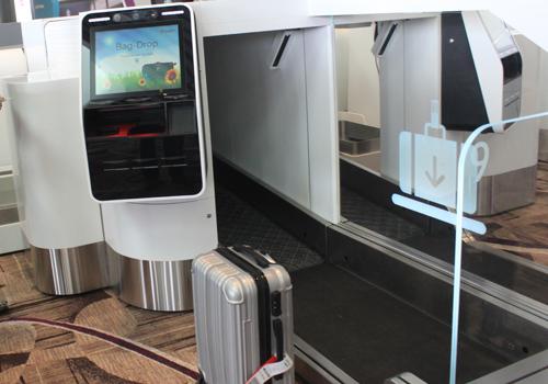 Một số sân bay như T4 Changi (Singapore) đã áp dụng công nghệ gửi hành lý tự động. Ảnh: Đoàn Loan.