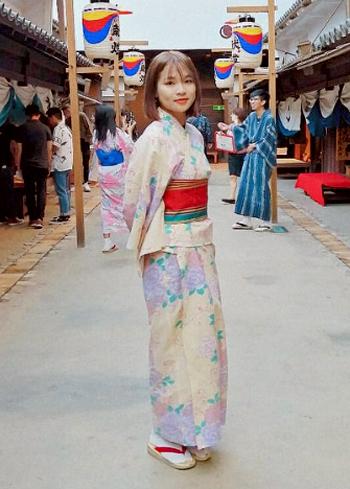 Phạm Huyền Trang, sinh năm 2000, chụp ảnh tại Nhật Bản. Ảnh: Nhật vận cung cấp.