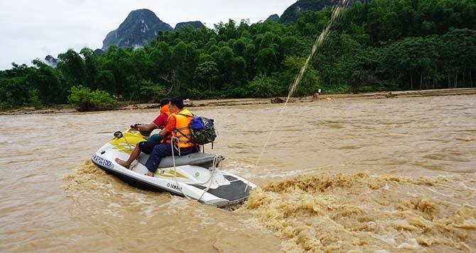 Hai nạn nhân bị lũ cuốn ở Thanh Hóa được tìm thấy - ảnh 1