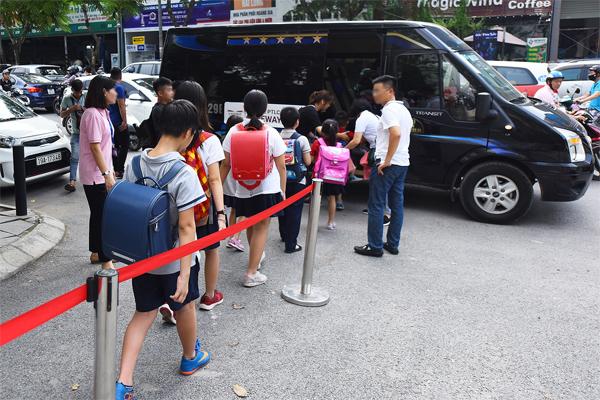 Loại xe đưa đón học sinh của Trường quốc tế Gateway. Ảnh: Giang Huy.