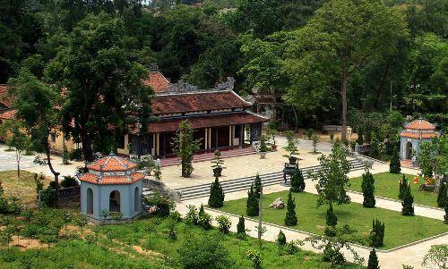 Chánh điện chùa Quốc Ân lúc chưa bị triệt giải toàn bộ để xây mới. Ảnh: Võ Thạnh