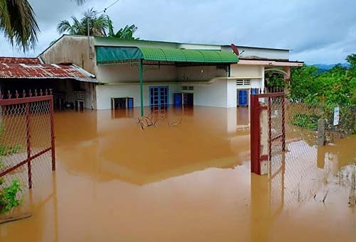 Nước sông Đồng Nai dâng cao gây ngập nặng ở huyện Đạ Tẻh, Lâm Đồng. Ảnh: Hoài Thanh