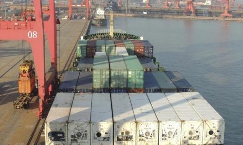 Hàng Trung Quốc ở cảng thuộc tỉnh Giang Tô. Ảnh: Reuters.