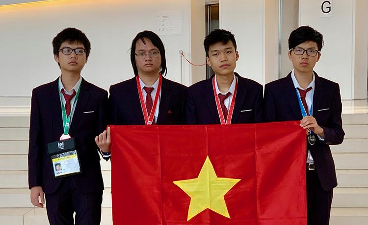 Việt Nam giành hai huy chương vàng Olympic Tin học quốc tế - Ảnh 1