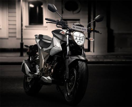 Xe trang bị đèn pha LED, khung sườn và động cơ thừa hưởng từ người anh em Gixxer SF 250.