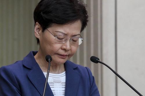 Trưởng đặc khu Hong Kong Carrie Lam tại buổi họp báo hôm nay. Ảnh: SCMP.