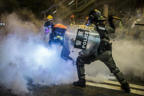 Các tỷ phú Hong Kong chỉ trích phong trào biểu tình - ảnh 1