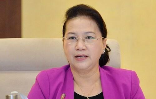 Chủ tịch Quốc hội Nguyễn Thị Kim Ngân cho ý kiến dự án Bộ luật lao động sửa đổi sáng 14/8. Ảnh: Trung tâm báo chí Quốc hội
