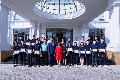 Vingroup trao học bổng toàn phần cho 18 tài năng trẻ Việt Nam - ảnh 4