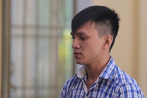 Bị cáo Nguyễn Đình Tuấn Huy. Ảnh: Đắc Thành.