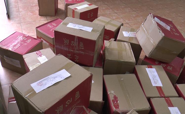 Hơn 4.400 bánh trung thu không rõ nguồn gốc bị thu giữ ở Hà Nội - ảnh 1