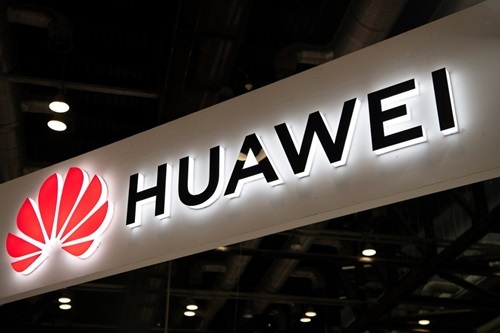 Người Trung Quốc tức giận vì Huawei liệt kê Đài Loan như quốc gia - ảnh 1