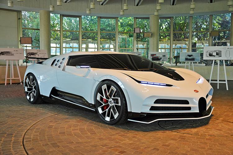 Bugatti Centodieci ra mắt ở Pebble Beach Concours dElegance.