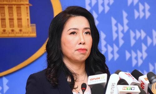Người phát ngôn Bộ Ngoại giao Lê Thị Thu Hằng trong họp báo hôm nay. Ảnh: Giang Huy.