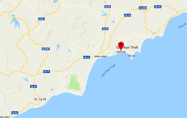 6 du khách bị sóng cuốn khi tắm biển Phan Thiết - ảnh 2