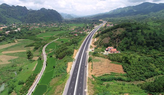 Đường cao tốc hơn 12.000 tỷ qua vùng biên ải