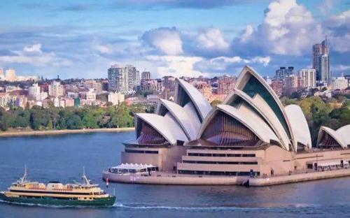 Australia có chi phí học tập khá đắt đỏ. Ảnh: Scholarship-Positions