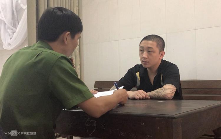 Nguyễn Thanh Trung tại cơ quan điều tra. Ảnh: Anh Thư.