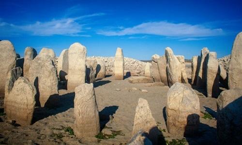 Vòng tròn đá cự thạch ởlà một bí ẩn do chưa rõ ai xây dựng và vì mục đích gì. Ảnh: The Local.
