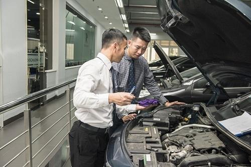 Nhân sự tại các xưởng bảo dưỡng của Peugeot được bồi dưỡng và nâng cao kỹ năng chuyên môn.