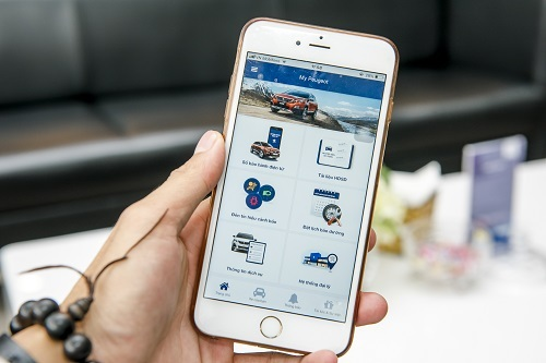 Ứng dụng My Peugeot tải về thông qua chợ ứng dụng Play Store hoặc App Store.