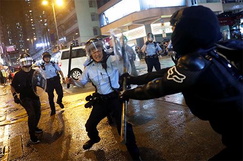 Hong Kong bắt thêm 36 người biểu tình