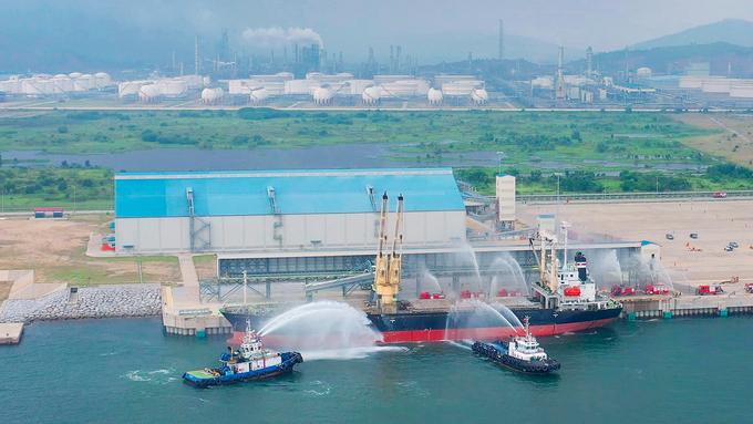 Diễn tập xử lý sự cố hóa chất tại nhà máy lọc hóa dầu