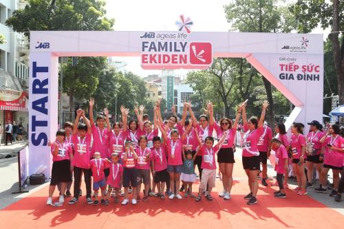 Sự kiện thu hút hơn 500 gia đình trẻ tham gia.