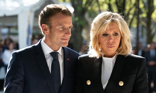 Tổng thống Macron và phu nhân Brigitte. Ảnh: Femme actuelle