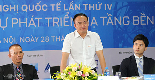 Ông Phạm Việt Khoa, Trưởng ban tổ chức Hội nghị chia sẻ thông tin. Ảnh: P. Uyên.