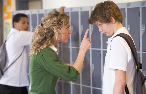 Sáu điều nên làm khi con bị bắt nạt
