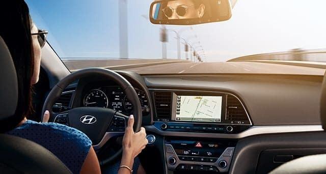 Khách được trả 50 USD khi lái thử xe Hyundai