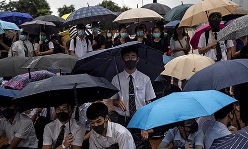 Học sinh, sinh viên Hong Kong bãi khóa ngày 2/9. Ảnh: Reuters.