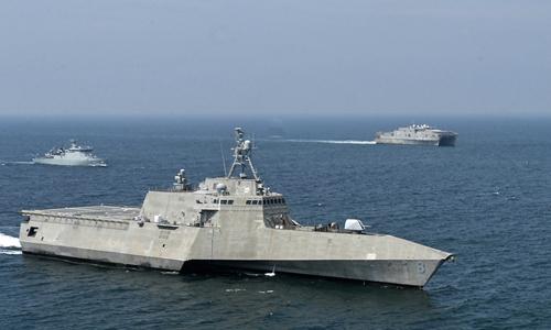 Các tàu Mỹ hoạt động trên biển cùng tàu Malaysia hồi tháng 8. Ảnh: US Navy.