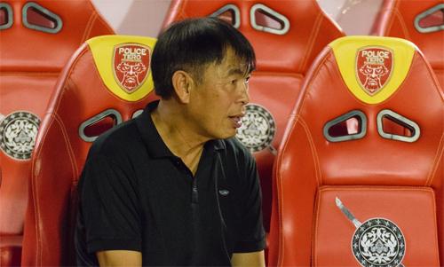 Thời còn thi đấ, Witthaya là cầu thủ Thái Lan đầu tiên chơitại châu Âu.