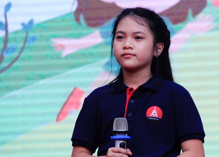 Nguyễn Nguyệt Linh kêu gọi cộng đồng bảo vệ môi trường. Ảnh: Dương Tâm