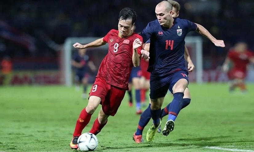 Tiền đạo Việt thiếu sắc bén vì không thể đá hai chân như một - ảnh 2