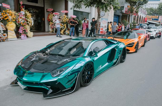 Dàn siêu xe của đại gia Việt tụ hội