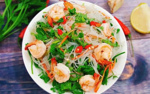 Nộm miến Thái Lan là món dễ ăn, không lo bị ngán.