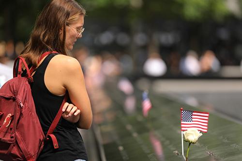 Trường học New York phải tổ chức mặc niệm vụ 11/9 - ảnh 1