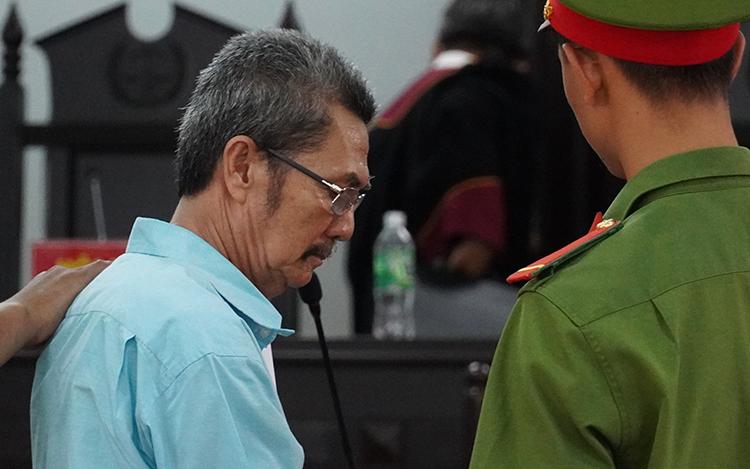 Nguyễn Văn Thừa sau khi nghe tuyên án. Ảnh: Tư Huynh.