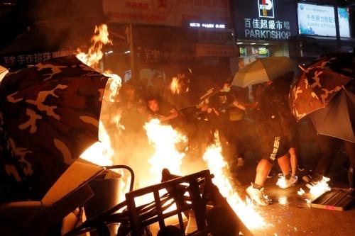 Việt Nam mong tình hình Hong Kong sớm trở lại bình thường - ảnh 1