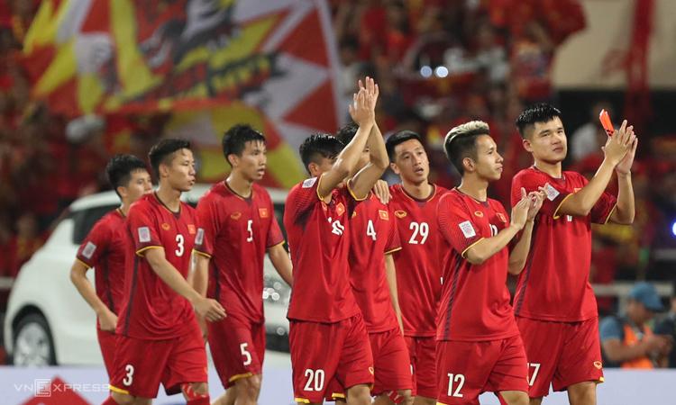 Người hâm mộ có thể mua vé các trận vòng loại World Cup của tuyển Việt Nam từ ngày 19/9. Ảnh: Đức Đồng.