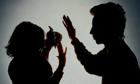 Phụ nữ nhịn chồng là tốt nhưng để bị đánh là nhu nhược - ảnh 1