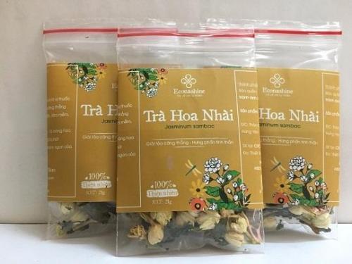 Khách hàng được tặng 1 gói trà gừng 2gr đủ pha ấm trà khi mua 1 lọ trà nhài cao cấp.