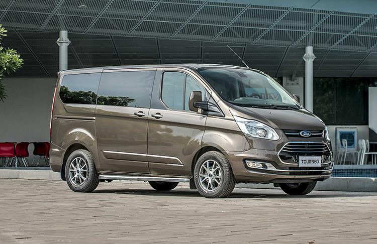 Ford Tourneo ra mắt tại Việt Nam giá từ một tỷ đồng.
